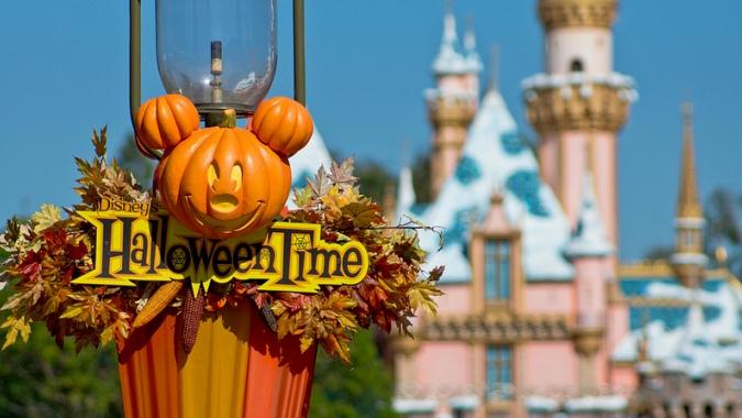 Диснейленд готов к празднованию Хэллоуина