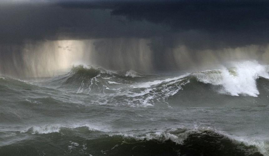Ураган «Мария»: МИД РФ призвал туристов воздержаться от морских прогулок