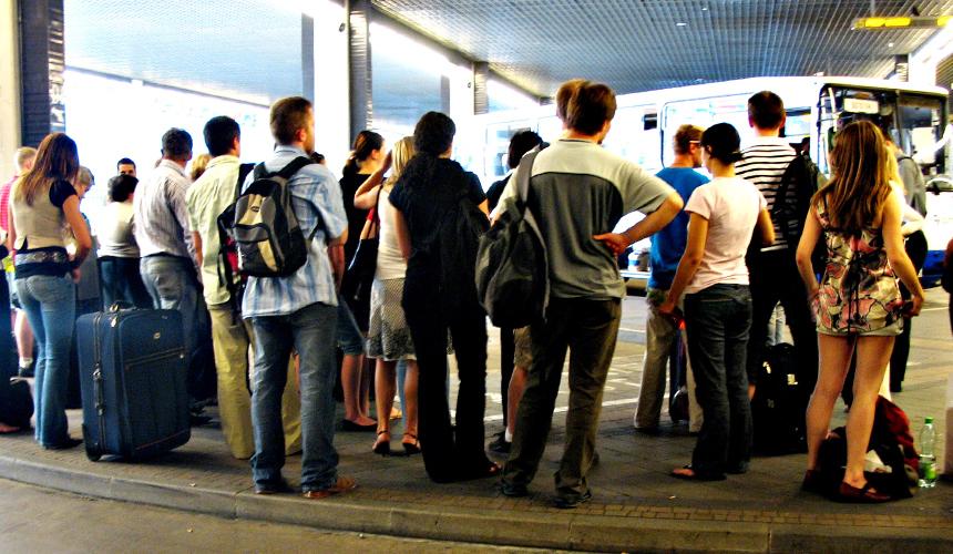 Из-за последствий урагана «Ирма» туристов вывозят с Кубы позже срока