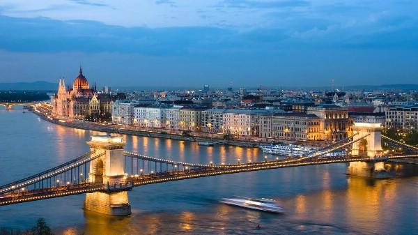 На треть больше российских ночевок в Венгрии