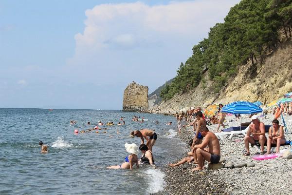 РСТ: спрос на пляжный отдых и экскурсионные туры в России снизился летом в среднем на 20%