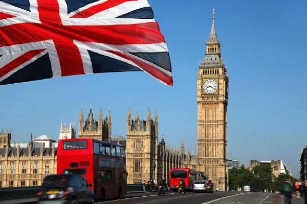 Около 20 человек пострадали в результате взрыва в лондонском метро