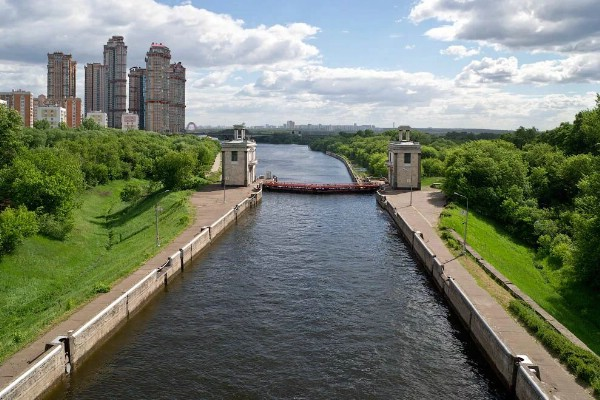 Администрация Химок создаст парк на берегу Канала имени Москвы