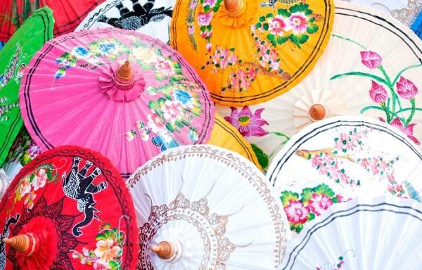 Парад разноцветных зонтов увидят туристы в Суракарте