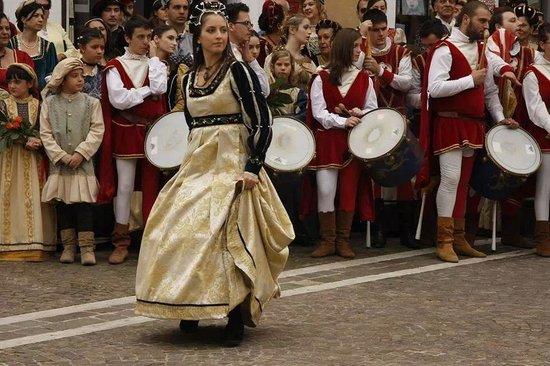 В Италии начинаются осенние шествия