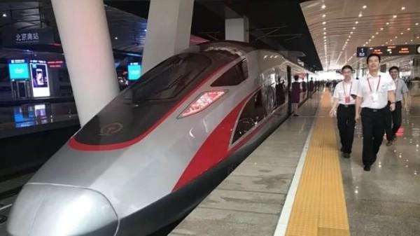 Между Пекином и Шанхаем запустили самые быстрые в мире поезда