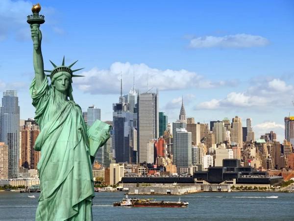 США запретили въезд гражданам восьми государств