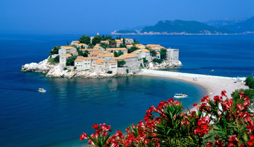 Туры в Черногорию подгорают