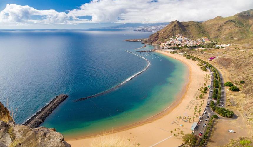Туристов с Тенерифе вывезли, но не знают, как завозить