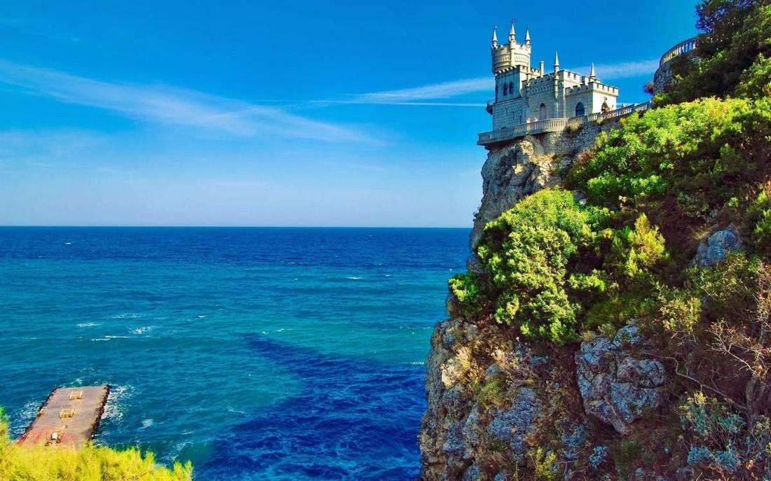 45% туристов, отдохнувших в Крыму, планируют вернуться на полуостров в 2018 году