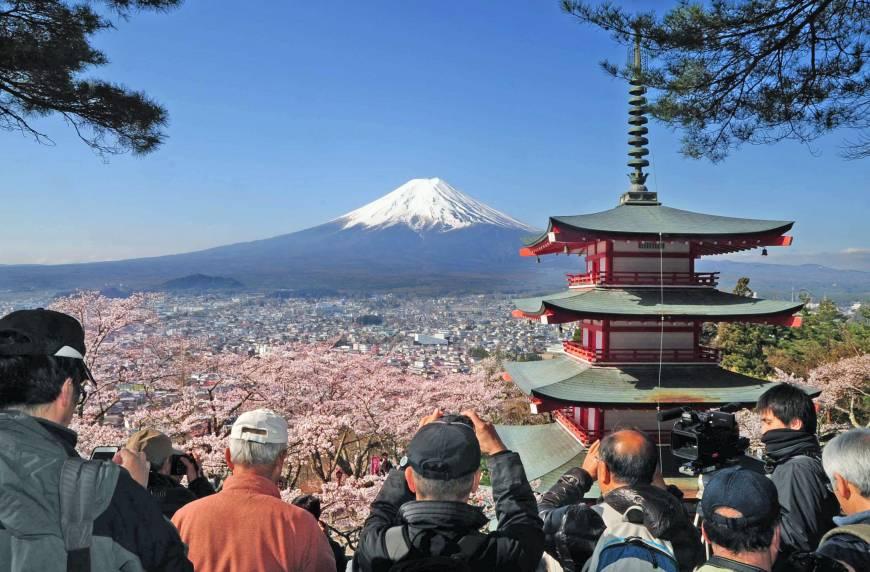 Япония и Россия подписали официальные документы о сотрудничестве в сфере туризма
