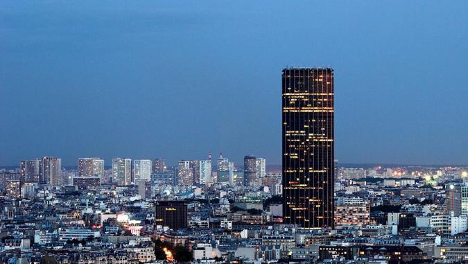 Уникальная возможность покататься на роликах на самой высокой крыше Парижа