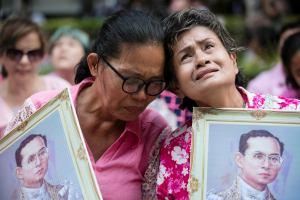 В Таиланде завершается траур по королю. Что следует знать туристам?