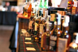 На ноябрьские в Праге приглашают выпить виски