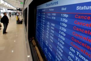 Минтрансу поручили разобраться с отменой рейсов «по метеоусловиям»