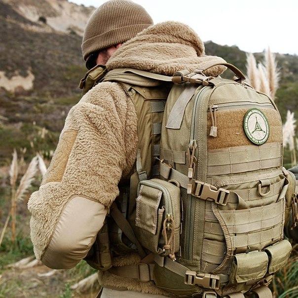 Одежда и аксессуары для спорта, охоты и путешествий