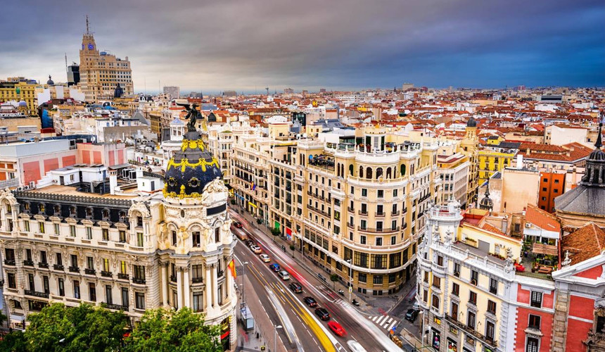 На ноябрьские праздники россияне поедут в Мадрид вместо Барселоны