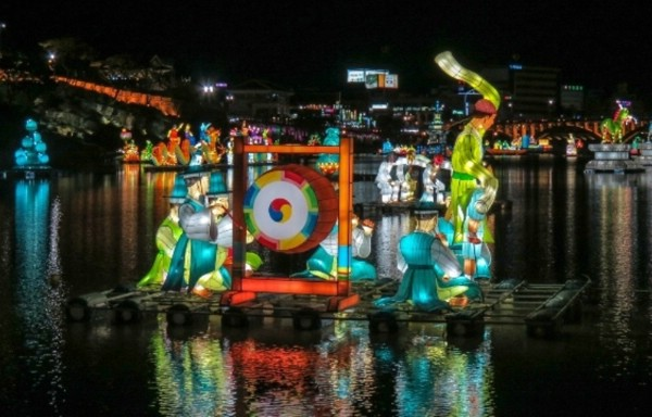 Чинджу проведет красочный праздник фонарей на реке Намган