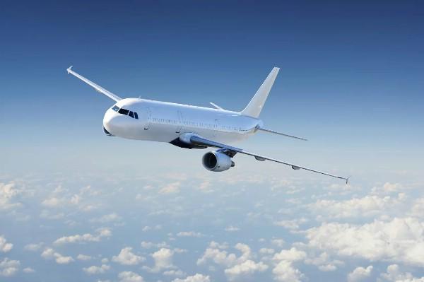Стоимость авиабилетов за год упала на 10 процентов