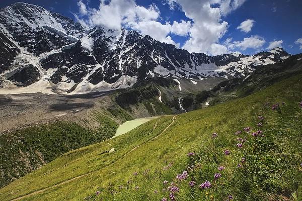 Эксперты предложили продвигать туризм на Северном Кавказе с помощью СМИ