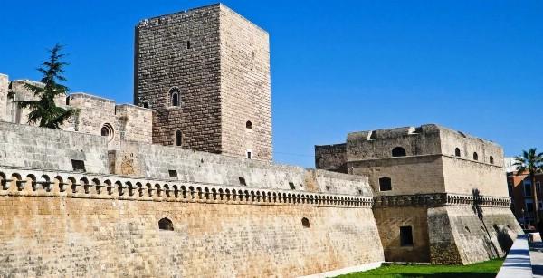 В итальянском Бари восстановили старинный замок