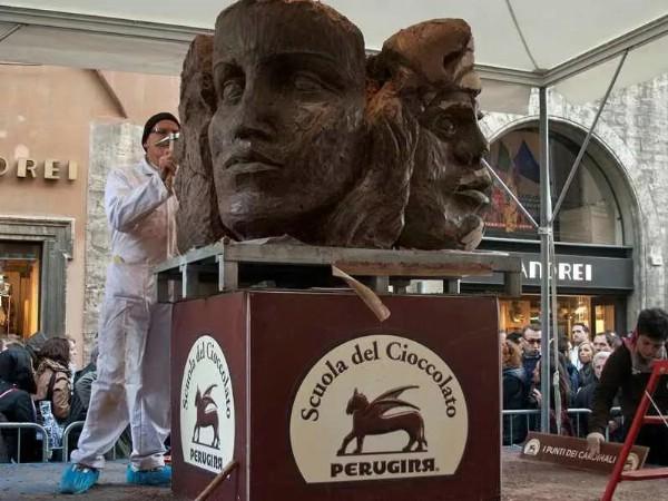 Фестиваль шоколада открылся в Перудже