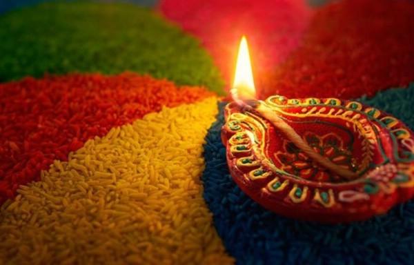 В Индии празднуется фестиваль огней Дивали