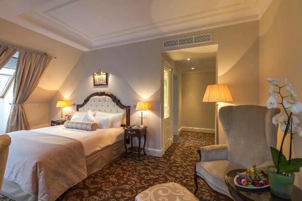 Загрузка петербургских отелей на Новый год может составить не более 60%