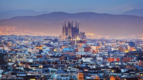 Объем бронирований по Каталонии снижается