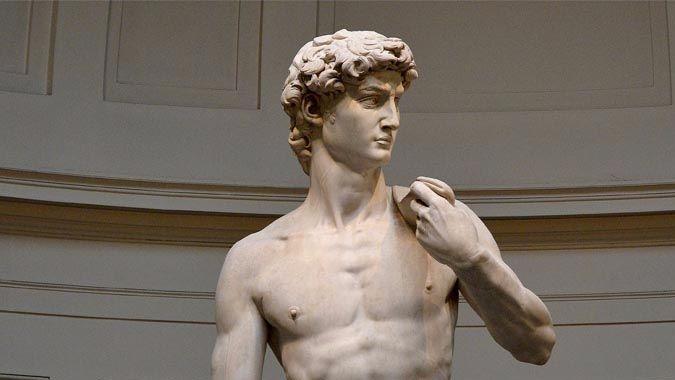 Испанец после Венеры разделся перед Давидом