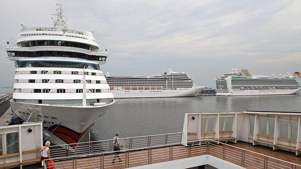 Петербург в навигацию принял почти 250 круизных лайнеров