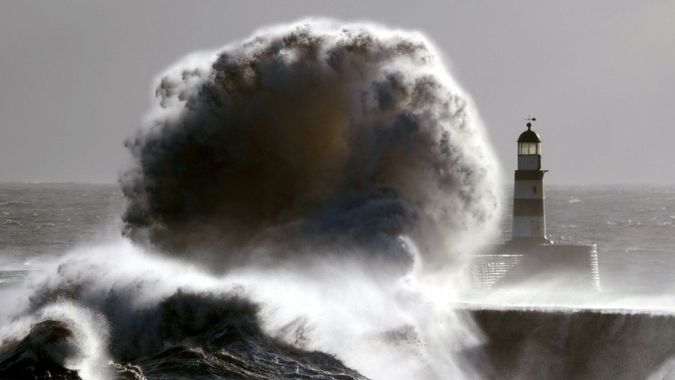 Ирландия и остров Хайнань оказались под ударом Офелии