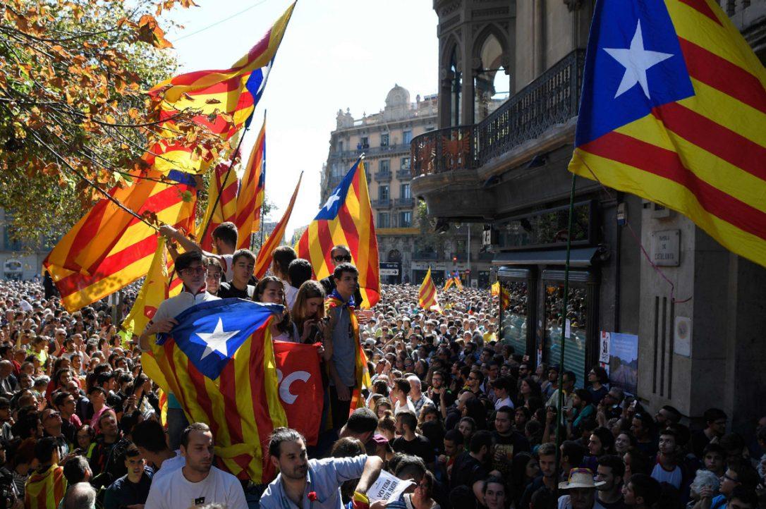 МИД предупредил туристов о возможном обострении ситуации в Каталонии
