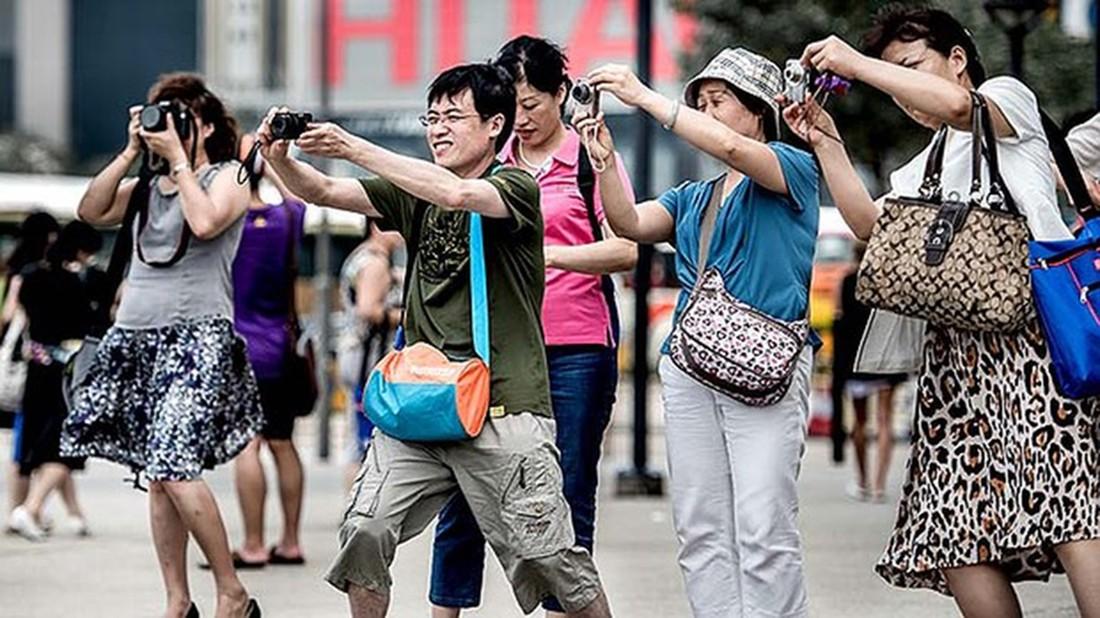 Медведев предложил очередное облегчение виз для китайских туристов