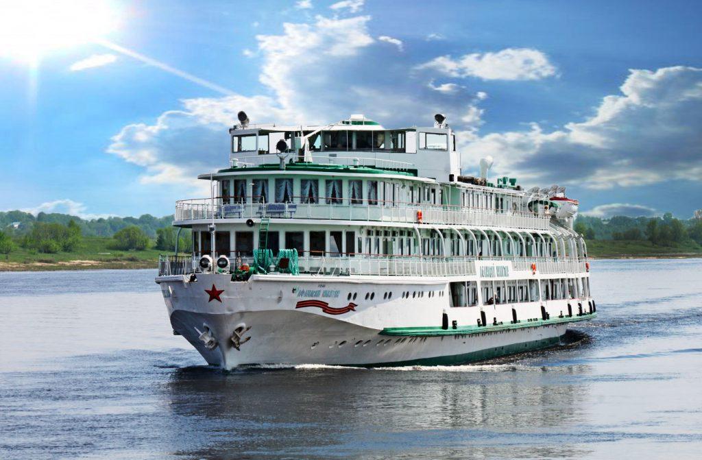 Число иностранных туристов в российских речных круизах выросло на 20%