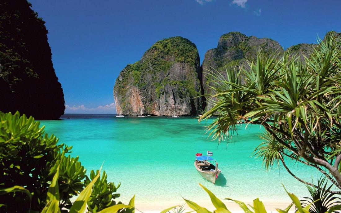 Туроператоры: популярные отели Таиланда на Новый год начали вставать на «стопы»