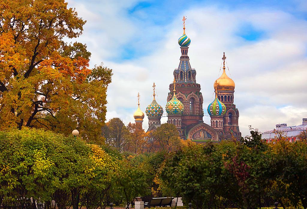Исследование: самые популярные города России для путешествий на уик-энд