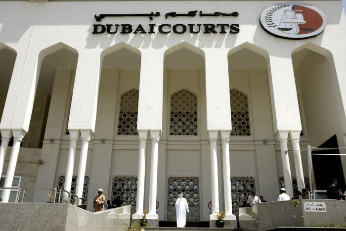 Британский турист чуть было не угодил за решетку в ОАЭ за прикосновение к мужчине