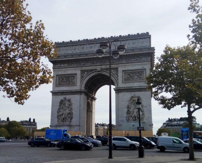 Махнуть в Париж с билетным лайфхаком