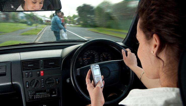 Автотуристам на заметку: в Голландии за пользование смартфоном могут задержать