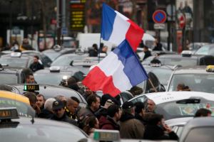 Забастовка во Франции срывает планы туристов