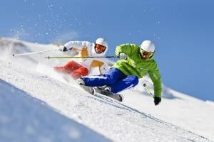 На склонах Красной Поляны появились первые лыжники