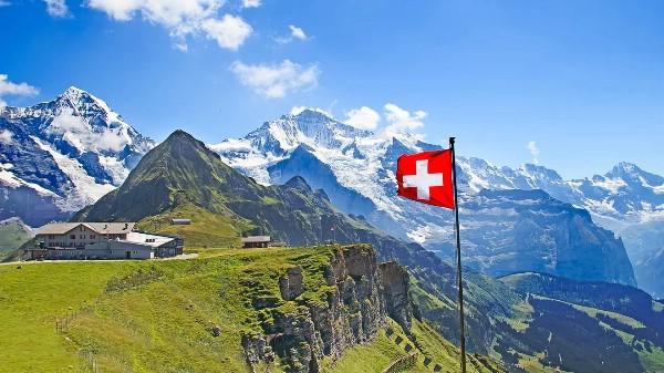 Швейцария уверенно растет в российских объемах