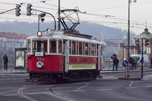 Арендовать трамвай для вечеринок разрешат в Праге