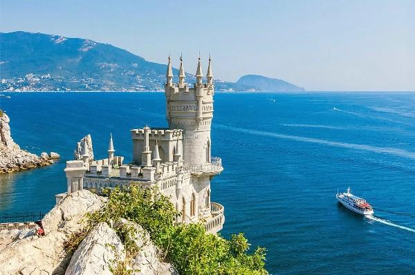 Курорты Крыма станут более конкурентоспособными после удешевления авиабилетов