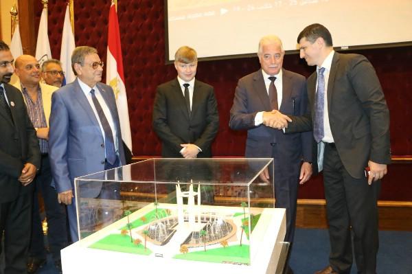 В Шарм-эль-Шейхе начали строительство копии монумента советско-египетской дружбы