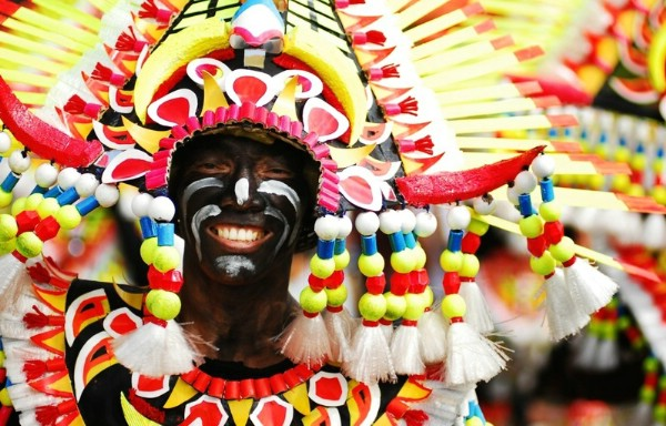 Филиппинский остров Панай анонсировал яркий фестиваль «Ати-Атихан»