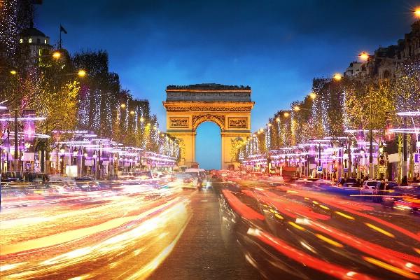 Франция рассчитывает по итогам 2017 года вернуться к докризисному турпотоку из России