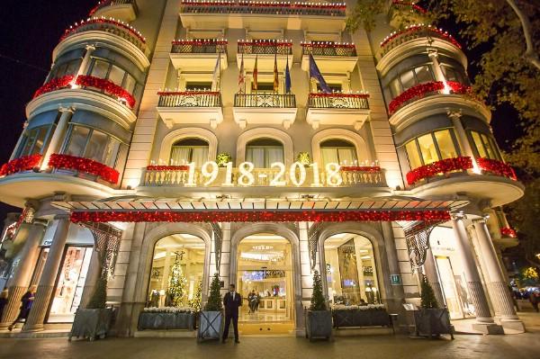Отель Majestic Barcelona отметил 100-летие иллюминацией