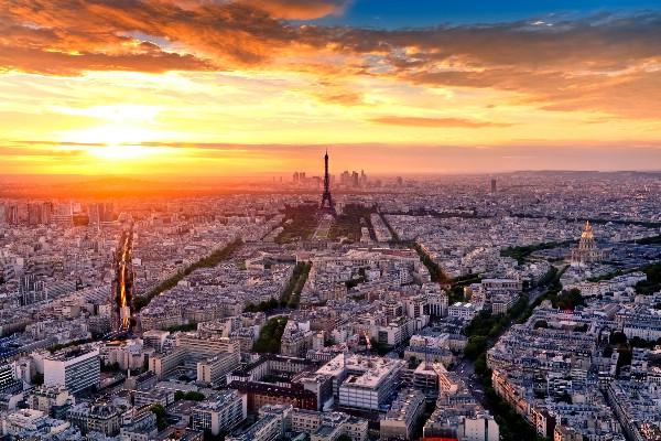 Сокращение срока выдачи французских виз укрепило рост турпотока в Париж